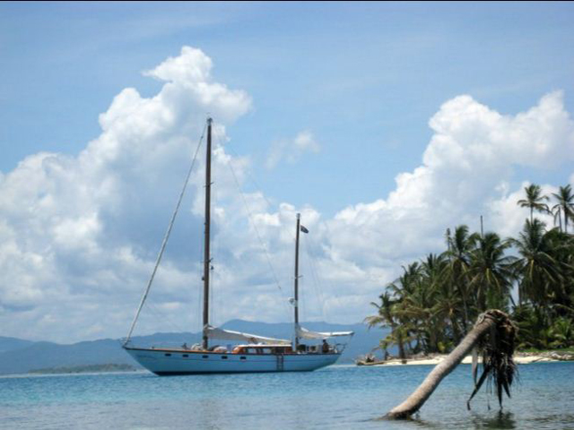 Sailing-Panama-Cartagena-San-Blas-the-boat3