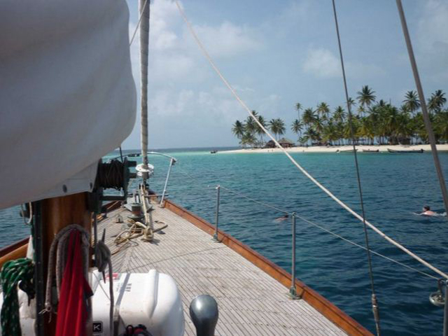 Sailing-Panama-Cartagena-San-Blas-the-boat5