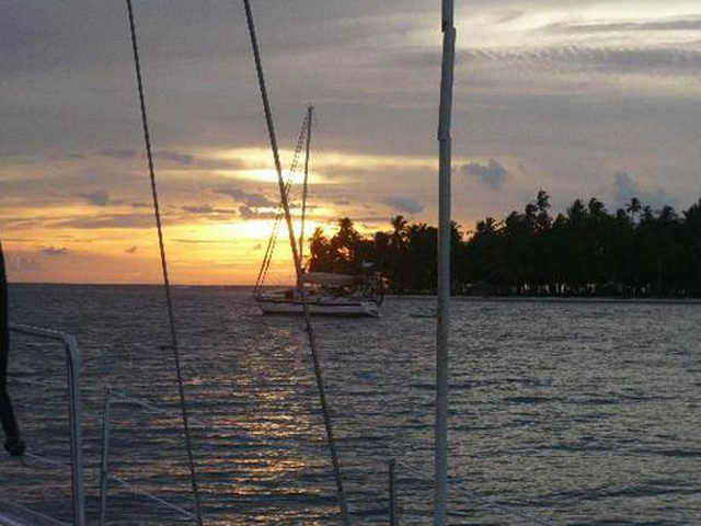 Sailing-Panama-Cartagena-San-Blas-windsurfer-sunset