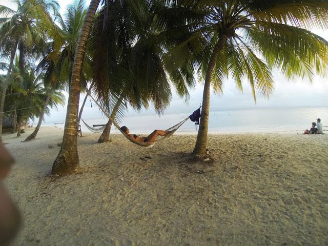 san-blas-islands-panama-camping-tour-hammock
