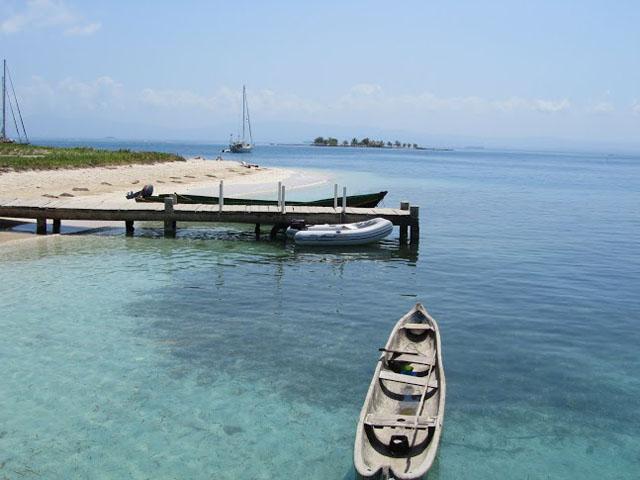 san-blas-islands-panama-camping-tour-harbor