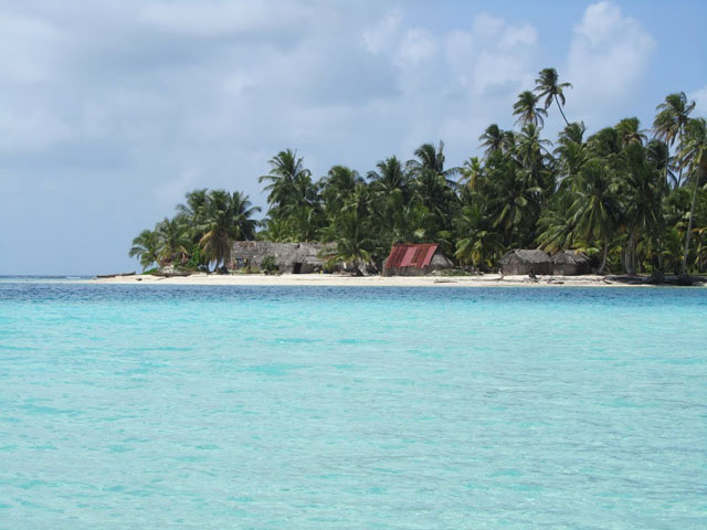 san-blas-islands-panama-camping-tour-island2