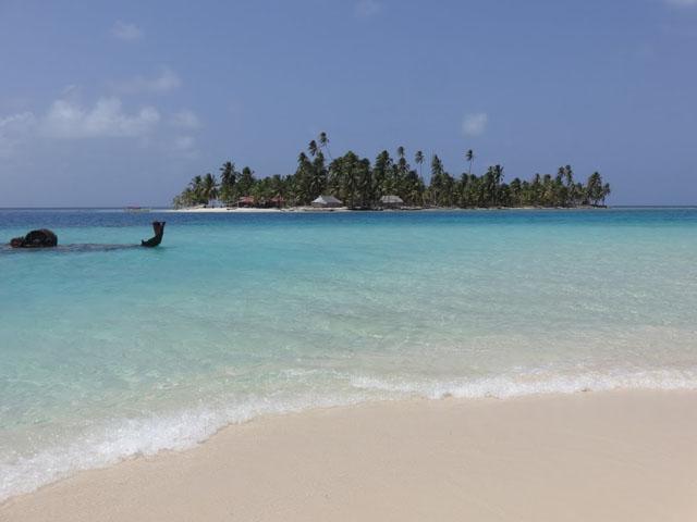 san-blas-islands-panama-camping-tour-ship
