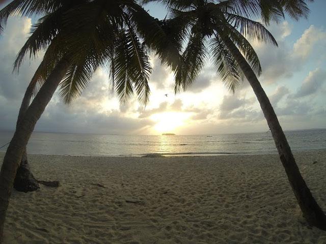 san-blas-islands-panama-camping-tour-sunset